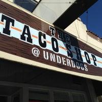 Photo prise au Underdogs Tres par Berj A. le2/17/2013