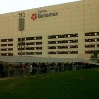 รูปภาพถ่ายที่ Centro Banamex โดย Manuel C. เมื่อ 3/3/2013