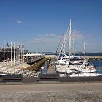 Foto scattata a Porto de Recreio de Oeiras da Izzy S. il 4/23/2013