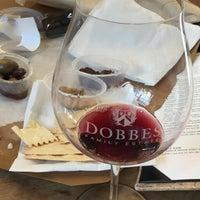 Foto diambil di Dobbes Family Estate Winery oleh Kristie B. pada 10/7/2017