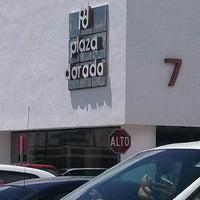 Foto scattata a Plaza Dorada da Ray Servulo V. il 8/13/2013