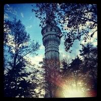 รูปภาพถ่ายที่ İstanbul Üniversitesi โดย Esra K. เมื่อ 12/3/2012