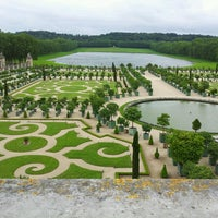 Foto tirada no(a) Palácio de Versalhes por ZoLchimeg M. em 6/22/2013