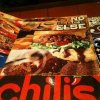 Foto diambil di Chili's Grill & Bar Restaurant oleh Saro r. pada 11/9/2012