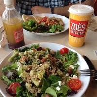 รูปภาพถ่ายที่ Zoës Kitchen โดย Aslı B. เมื่อ 8/2/2014