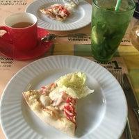 Foto scattata a Pesto Cafe da Katrin 💎 il 8/7/2016