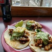 Das Foto wurde bei Tacos Chukis von Diana A. am 1/3/2016 aufgenommen