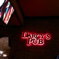 Foto tirada no(a) Darcy's Pub por Raphael M. em 5/1/2013