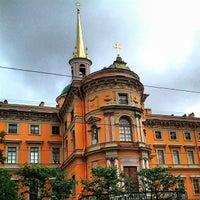 Снимок сделан в Михайловский (Инженерный) замок пользователем Sergei Spasibo @. 7/2/2013