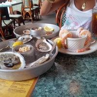 Das Foto wurde bei Beach Cafe von Maine J. am 7/23/2013 aufgenommen