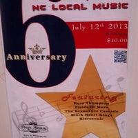 รูปภาพถ่ายที่ The Pour House Music Hall โดย Dink D. เมื่อ 7/13/2013