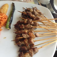 รูปภาพถ่ายที่ Topçu Restaurant โดย Bülent C. เมื่อ 3/6/2013