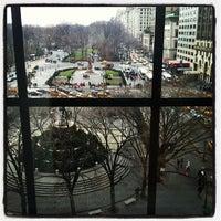 Снимок сделан в Bergdorf Goodman пользователем Nicolas F. 12/26/2012