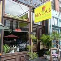 Das Foto wurde bei Mayas von Doug A. am 12/29/2012 aufgenommen