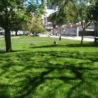 Foto tirada no(a) Yerba Buena Gardens por EKurze em 4/14/2013