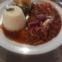 รูปภาพถ่ายที่ Restaurante Lolita โดย Fher D. เมื่อ 7/1/2018