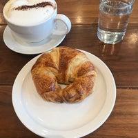 Foto tomada en La Boulangerie por Bree J. el 4/13/2018