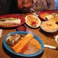 Foto tomada en La Parrilla Mexican Restaurant por Abdullah N. el 6/28/2013