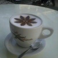 Foto tirada no(a) Café Estrela por Tais N. em 2/26/2014