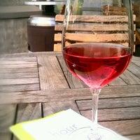 Foto tirada no(a) Poco Wine + Spirits por Terri Ann J. em 5/4/2013