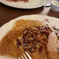 Снимок сделан в Original Pancake House пользователем Silvia S. 10/10/2013