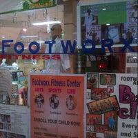 Photo prise au Footworx Fitness Center par Russell A. le5/18/2013