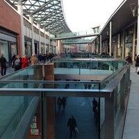 Foto scattata a Liverpool ONE da Leslie C. il 2/20/2013