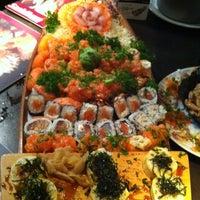 Foto tirada no(a) Sashiburi Sushi House por Christiane M. em 2/18/2013