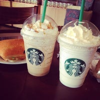 Снимок сделан в Starbucks пользователем Nadezda T. 6/24/2013