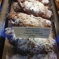 Das Foto wurde bei Bakery Nouveau von Melenie Y. am 7/18/2013 aufgenommen