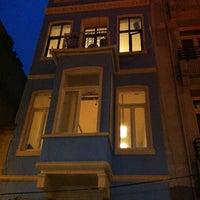 รูปภาพถ่ายที่ Muaf Beyoğlu โดย Dimitrios G. เมื่อ 4/1/2013