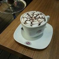 4/18/2013에 Ege Batuhan T.님이 Coffeemania에서 찍은 사진
