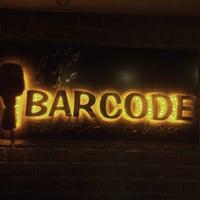 11/25/2015 tarihinde 𝓐𝓵𝓲 𝓓𝓔𝓜𝓔𝓣 ® .ziyaretçi tarafından BarCode Live Performance & Bar'de çekilen fotoğraf