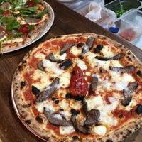 6/11/2018 tarihinde Double Zero Pizzeriaziyaretçi tarafından Double Zero Pizzeria'de çekilen fotoğraf