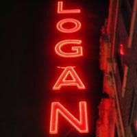 Das Foto wurde bei Logan Theatre von Maurice am 6/21/2013 aufgenommen