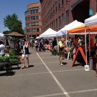 Das Foto wurde bei South End Open Market @ Ink Block von Brent G. am 6/2/2013 aufgenommen