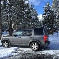 Foto tirada no(a) Truckee Donner Lodge por Ron v. em 3/2/2015