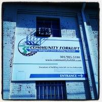 Das Foto wurde bei Community Forklift von Evgueni E. am 3/30/2013 aufgenommen