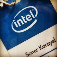 รูปภาพถ่ายที่ Çağdaş Holding Samsung Digital Plaza โดย Soner เมื่อ 9/4/2013