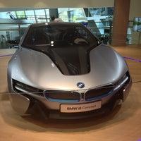 Photo prise au BMW Welt par Alexandr R. le5/5/2013