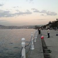Das Foto wurde bei Yeniköy Sahili von Ozan C. am 3/11/2013 aufgenommen