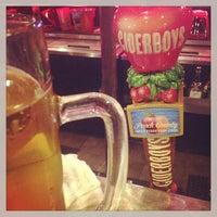 Снимок сделан в Jerseys Bar & Grill пользователем Michael S. 7/24/2013