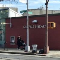 Foto scattata a Queens Library at Sunnyside da Jesse H. il 2/20/2018