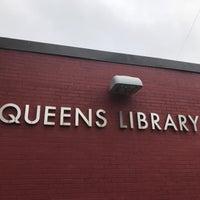 Foto scattata a Queens Library at Sunnyside da Jesse H. il 9/11/2018