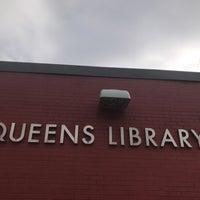 Foto scattata a Queens Library at Sunnyside da Jesse H. il 2/26/2018