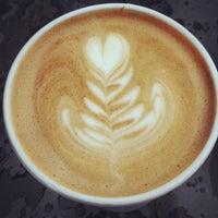 12/18/2012 tarihinde Eric S.ziyaretçi tarafından Peregrine Espresso'de çekilen fotoğraf