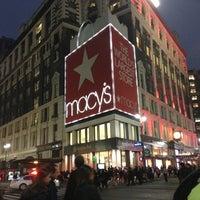 รูปภาพถ่ายที่ Macy's โดย Ksusha U. เมื่อ 1/30/2013