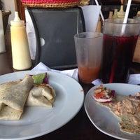 Foto diambil di El Muellecito oleh Tania E. pada 8/16/2014