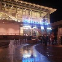 Foto tomada en Angelika Film Center at Mosaic por Nadim N. el 11/23/2012