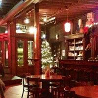 Das Foto wurde bei Jules Maes Saloon von Katie M. am 12/30/2012 aufgenommen